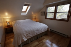 Apartment-Bedroom-and-Windows