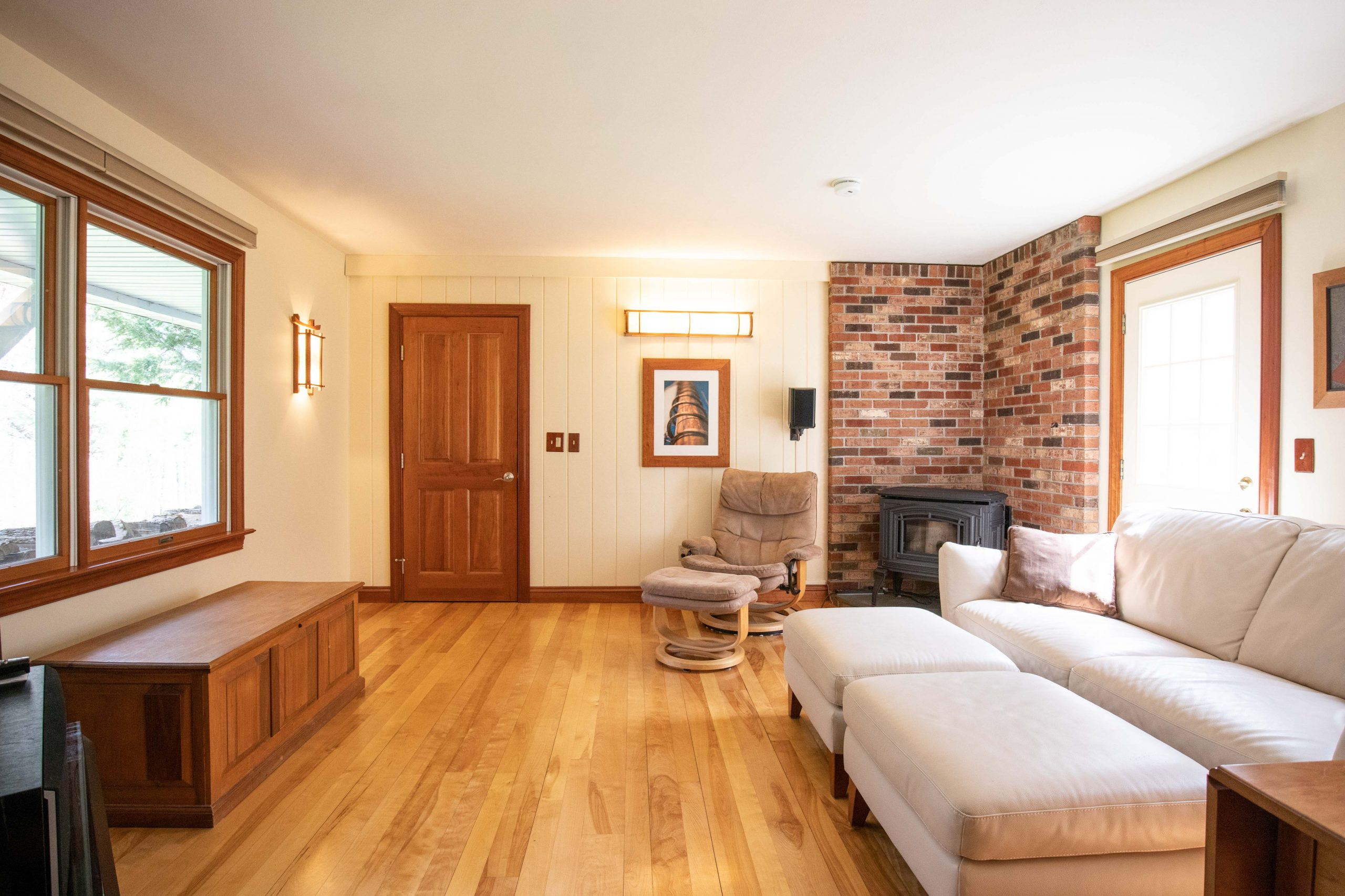 THE RESIDENCE - FAMILY ROOM